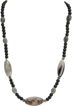 Agate Stone necklace with barrel beads.