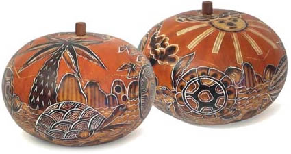 medium natural turtle gourd box from Peru.